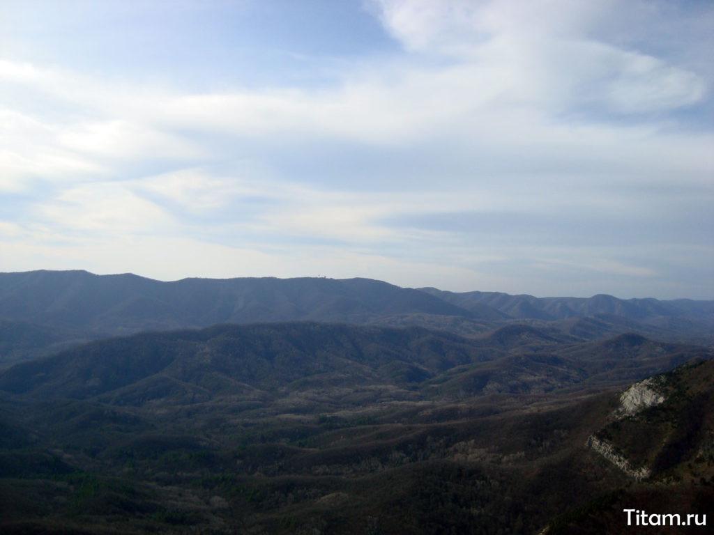 Вид на РЛС в районе ур. Голубая Гостиная