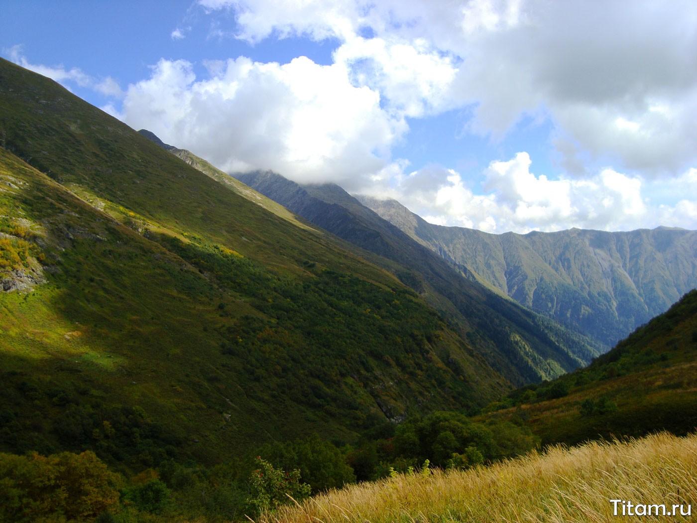 Вид на долину реки Пслух с Табунной