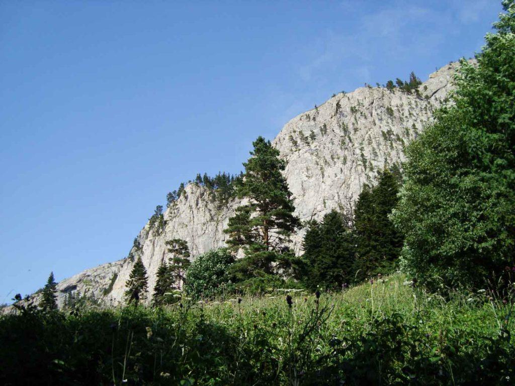 Западная стена Тхача