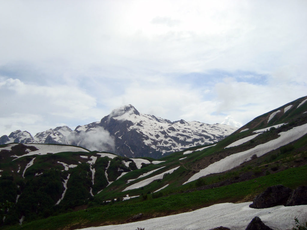 Фишт с перевала Гузерипль