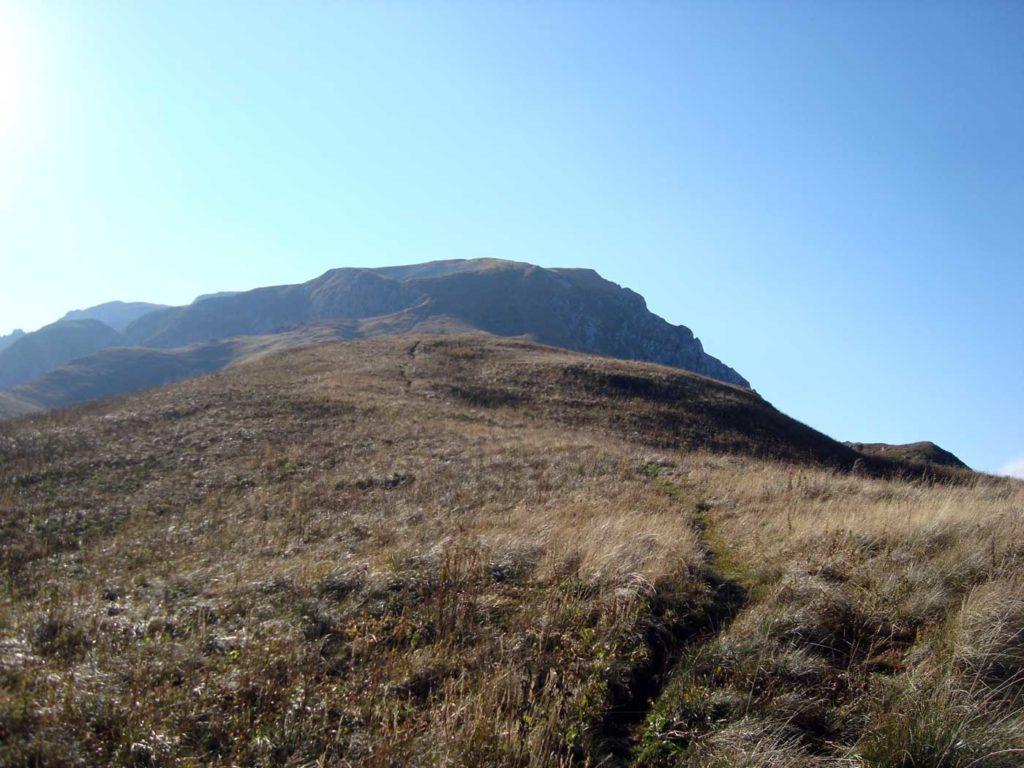 Предвершинный гребень Пшеха-Су