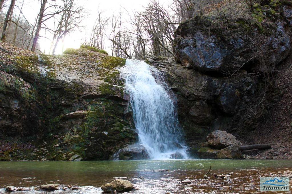 """Водопад """"Шум""""осенью"""