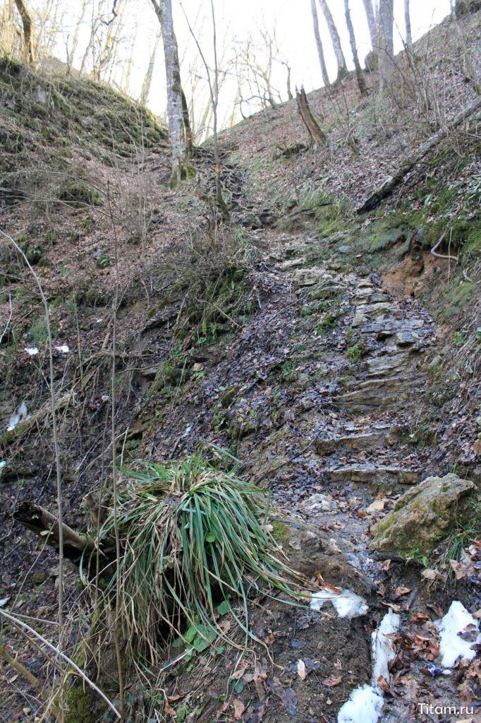 Тропа вдоль Шнурка