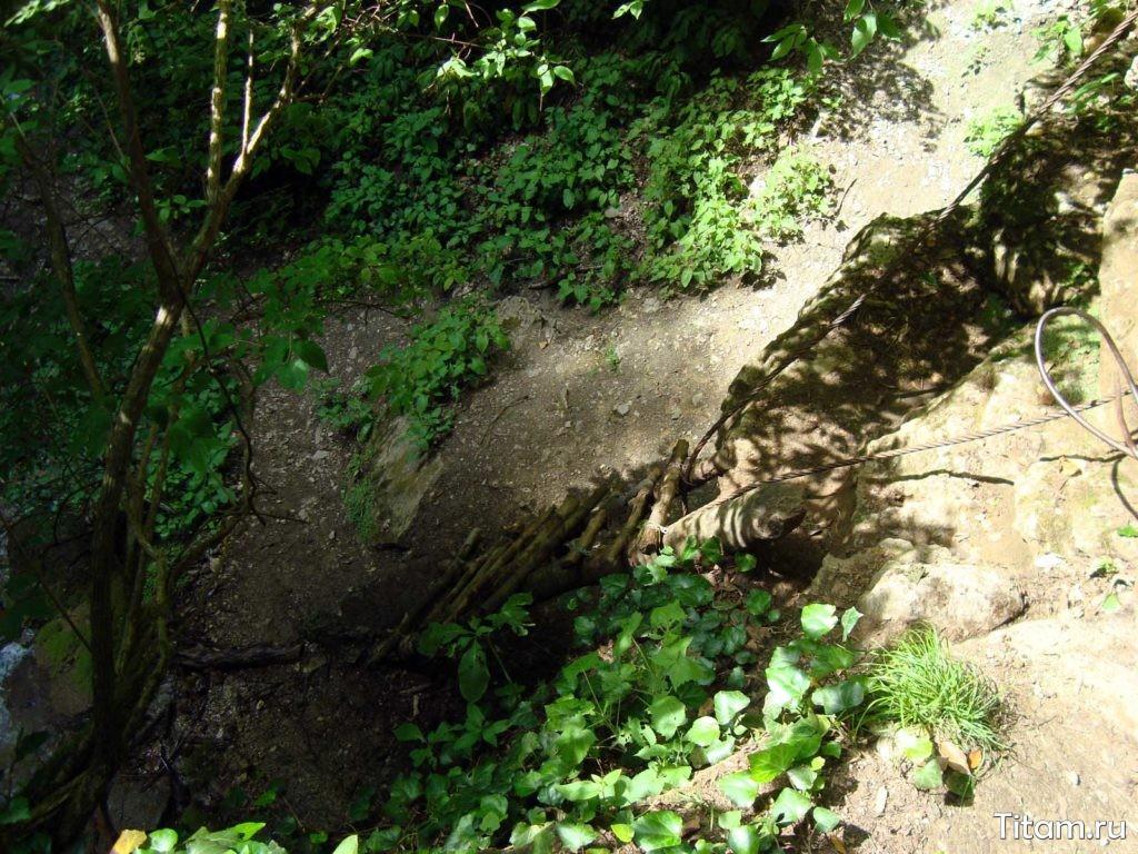 Лестница на Большой Каверзинский водопад