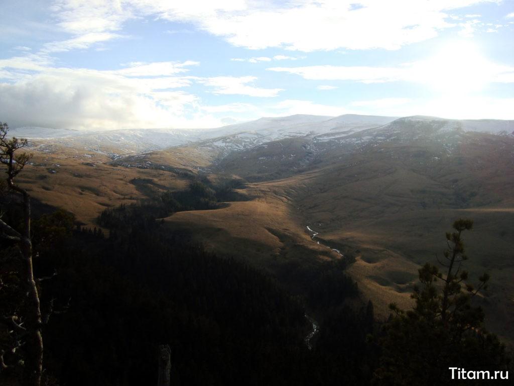 Вид со скалы Утюг
