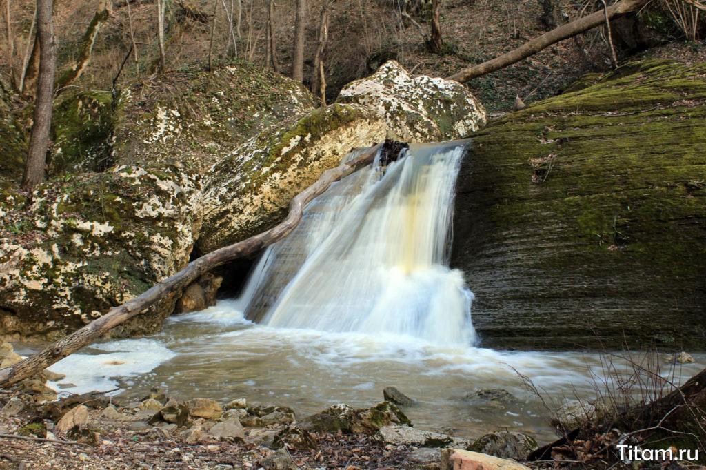 Ущелье Мишоко водопады