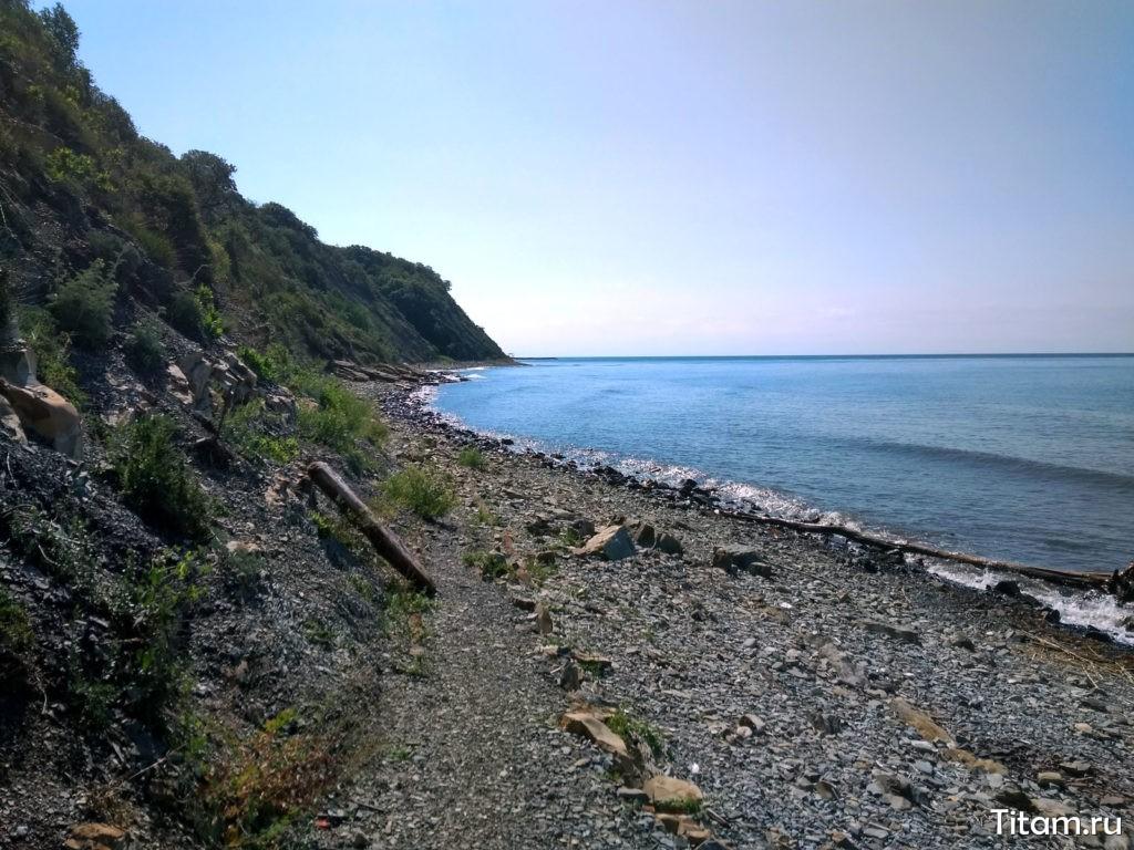 Дикий пляж в Кринице