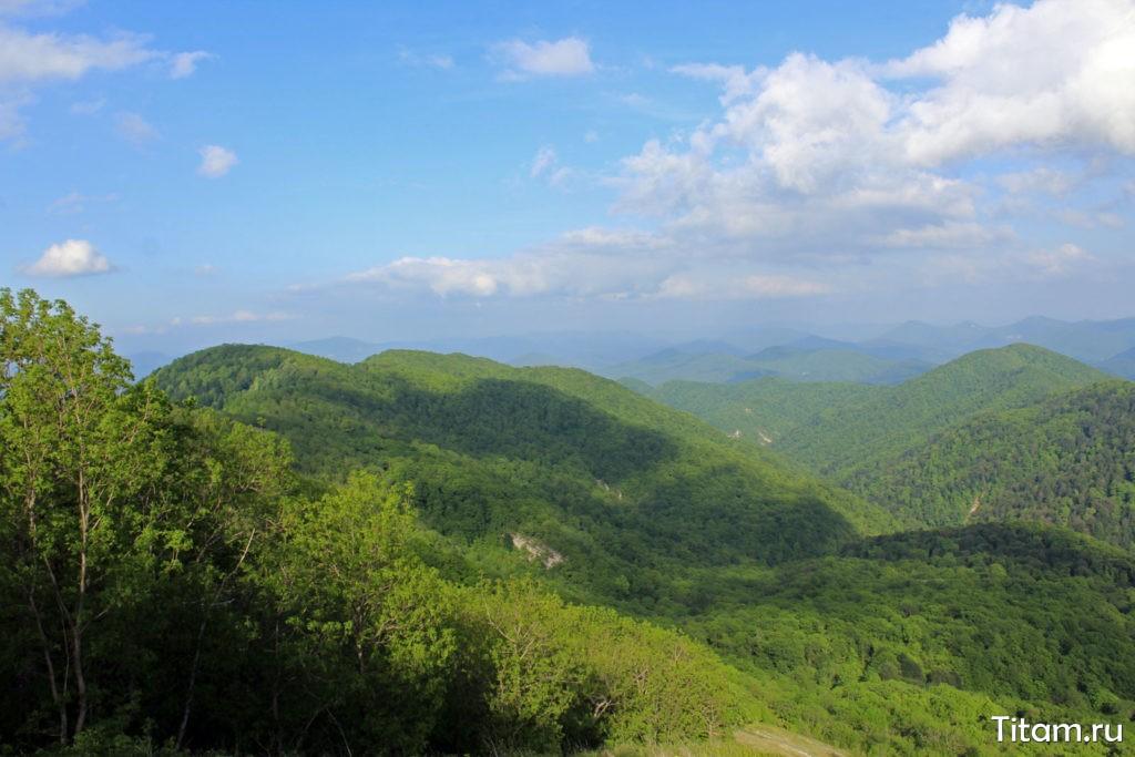 Вид на север в сторону Горячего Ключа