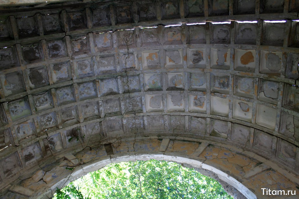 Заброшенная дача Суворина в Ольгинке