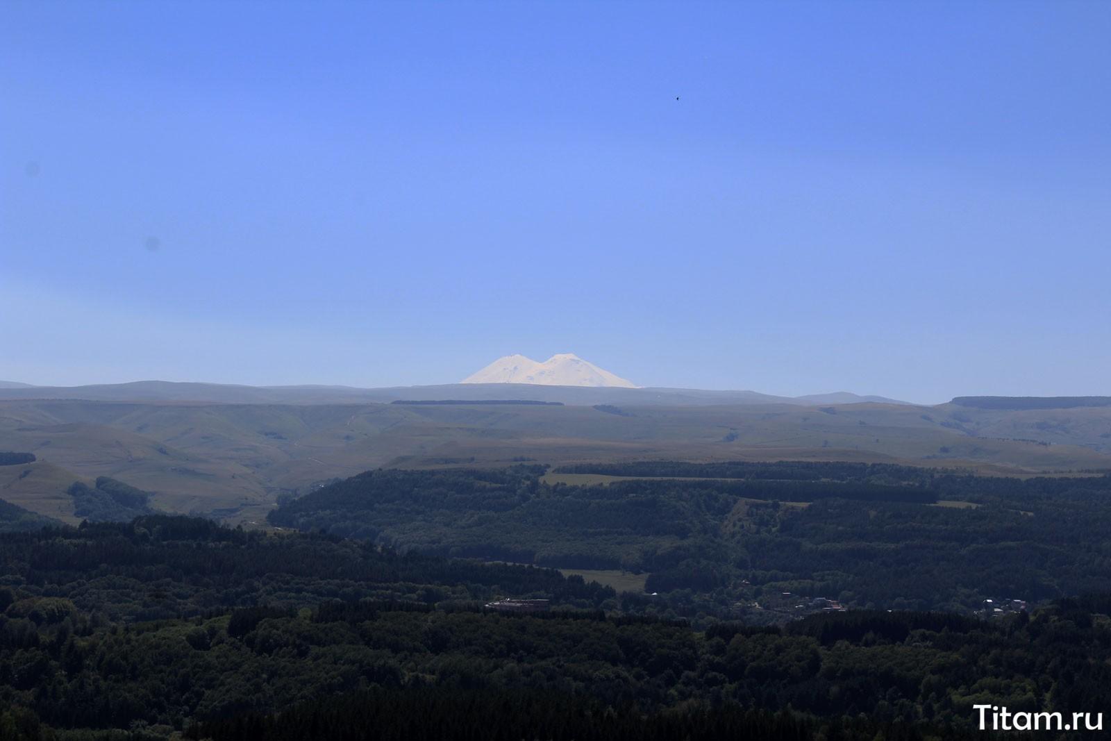 Вид на Эльбрус с горы Малое седло