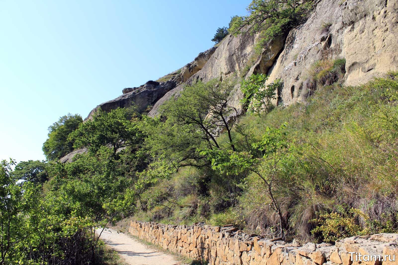 Синие камни с тропы Косыгина