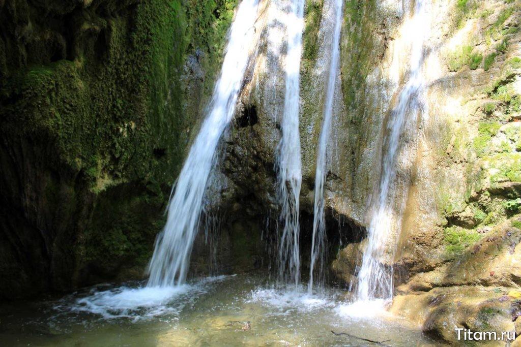 Водопад Лев