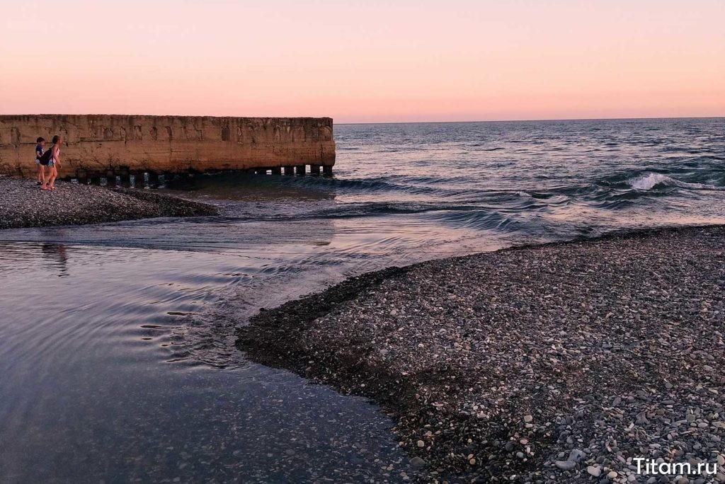 Пшада впадает в Чёрное море