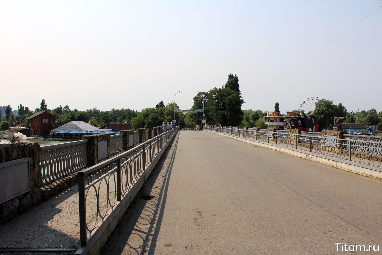 Мост через озеро Старая Кубань