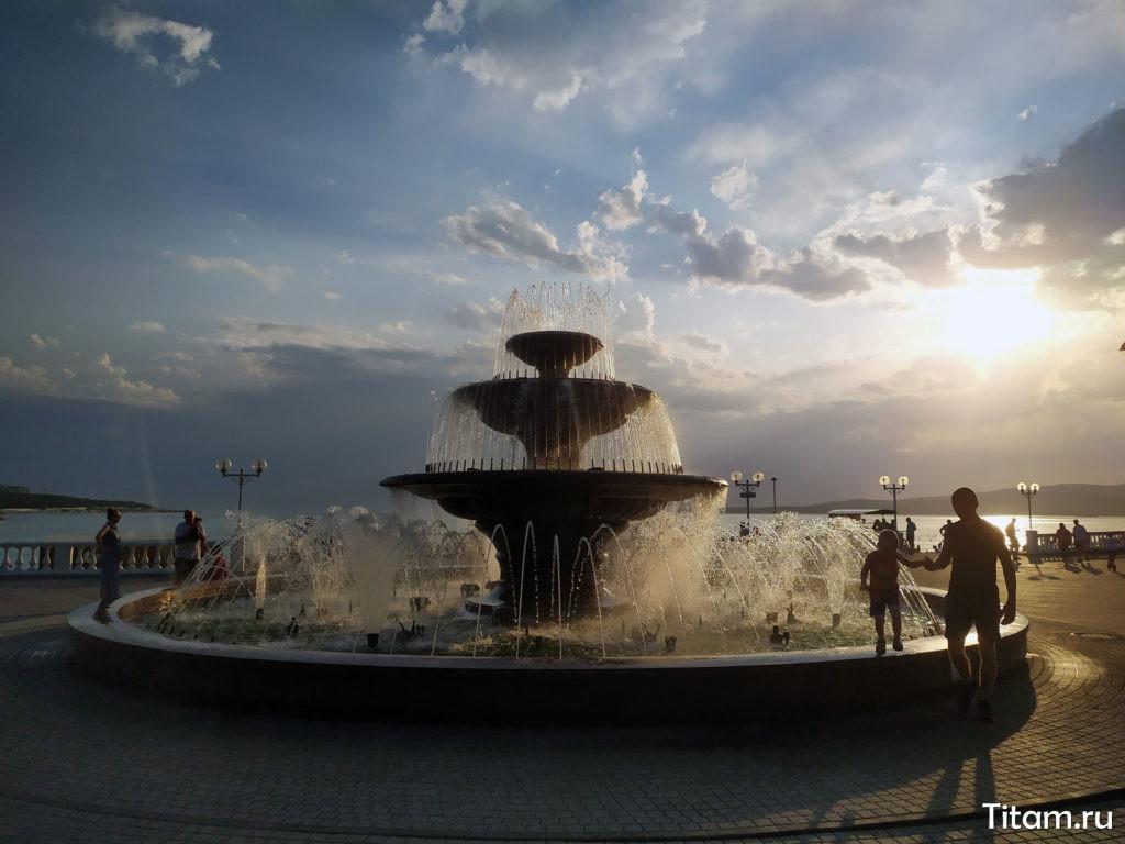 Светомузыкальный фонтан Геленджика