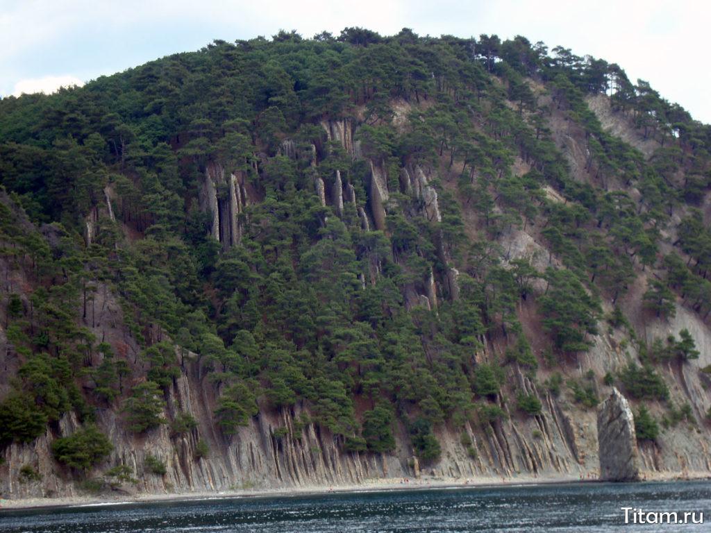 Скала Парус. Вид с моря