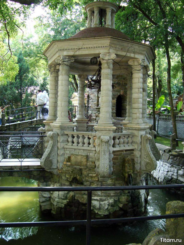 Старый парк в Кабардинке. Средневековье